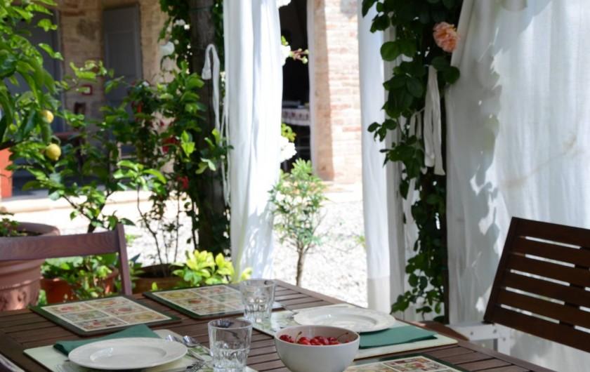 Location de vacances - Mas à Montepulciano - Sous la pergola