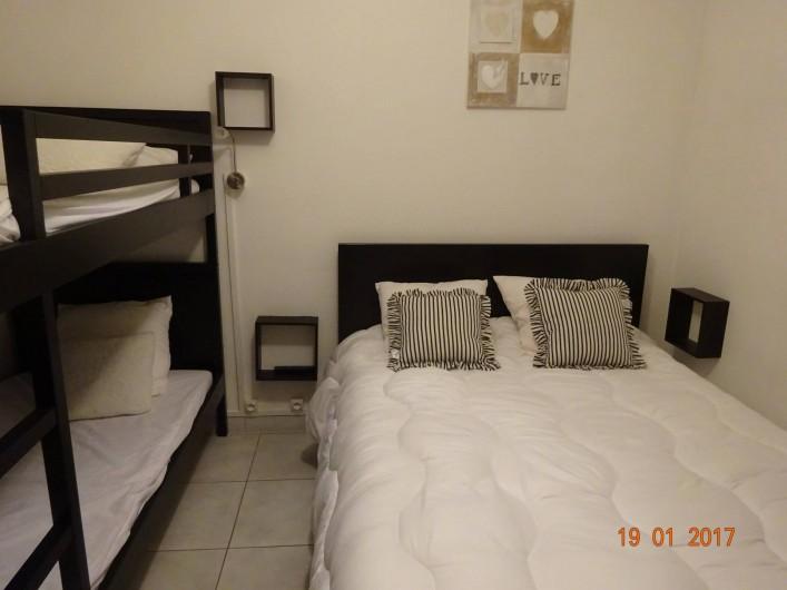 Location de vacances - Appartement à Lunel - lit 140 + 2 lits superposés literie neuve