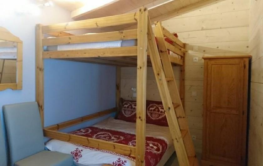 Location de vacances - Appartement à Le Corbier - grande chambre 6 pers.  à l'étage .