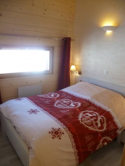 Location de vacances - Appartement à Le Corbier - chambre parentale  à l'étage