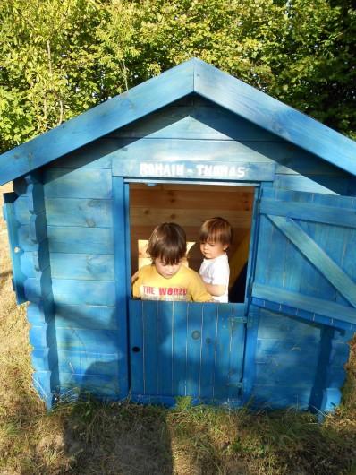 Location de vacances - Gîte à Saint-Rabier - Côté maison des enfants