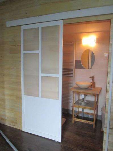 Location de vacances - Gîte à Malvezie - Salle de bain Zen
