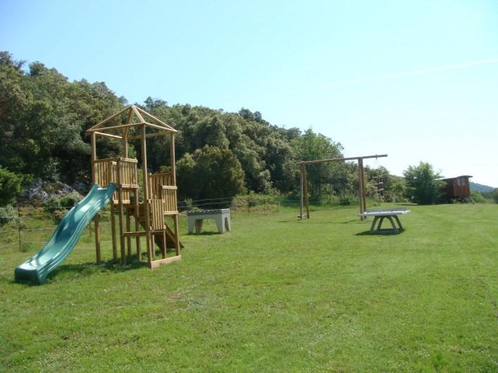 Location de vacances - Gîte à Saint-Martin-de-Pallières - Air de jeu
