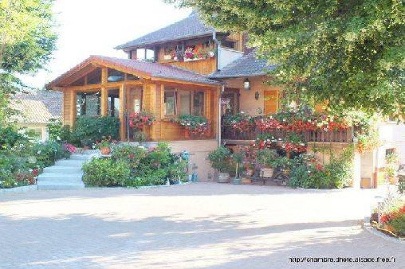 Location de vacances - Chambre d'hôtes à Soultzbach-les-Bains - Façade principale