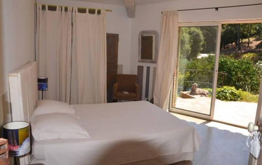 Location de vacances - Chambre d'hôtes à La Garde-Freinet - chambre famille dans la maison  DISPO EN JUIN