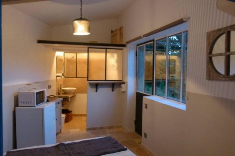 Location de vacances - Chambre d'hôtes à La Garde-Freinet - salle de bain cabanon ouverte sur la chambre