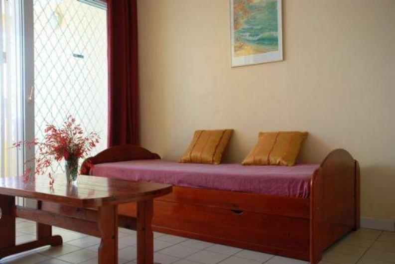 Location de vacances - Appartement à Pointe du Bout - lit gigogne pouvant recevoir 2 personnes