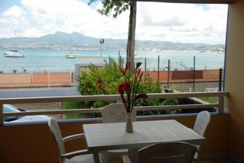 Location de vacances - Appartement à Pointe du Bout - appartement situé au rez de jardin.  balcon situé côté mer