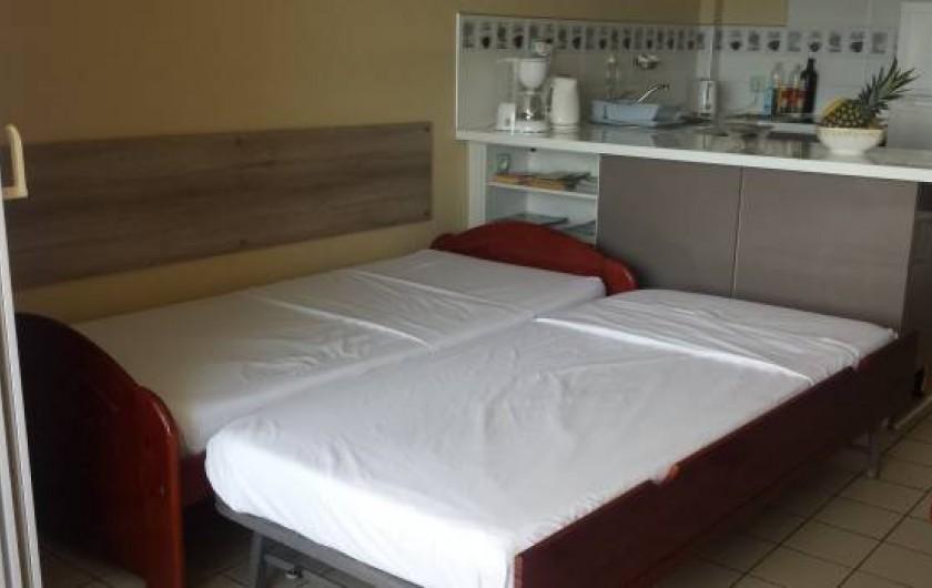 Location de vacances - Appartement à Pointe du Bout - lit gigogne déplié qui se compose de 2 petits lits