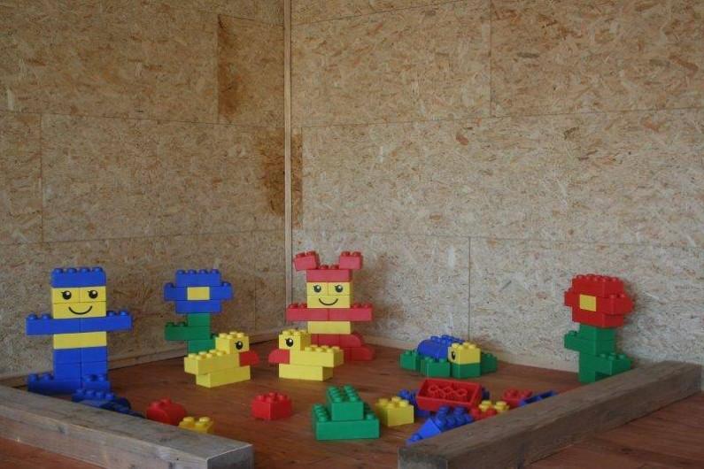 Location de vacances - Gîte à Durbuy - Légos géants de la salle de jeux