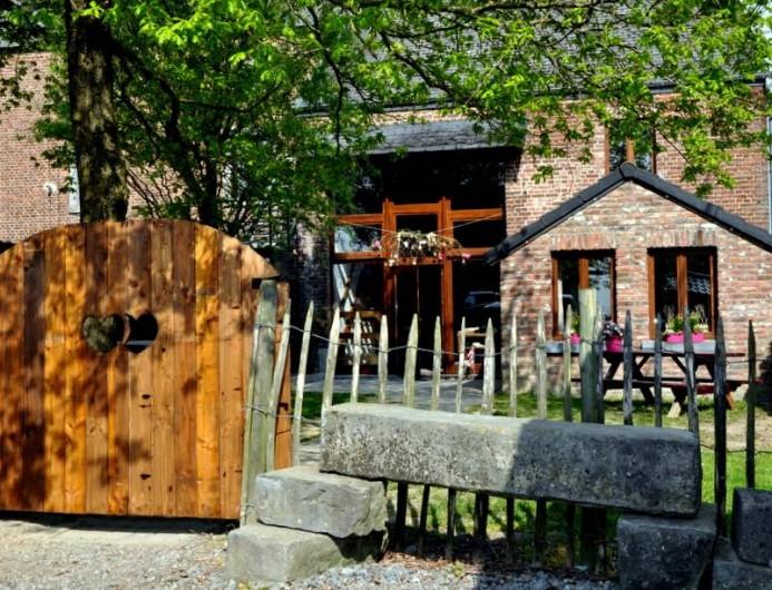 """Location de vacances - Gîte à Durbuy - entrée de notre gîte """"Au Soleil Levant"""""""