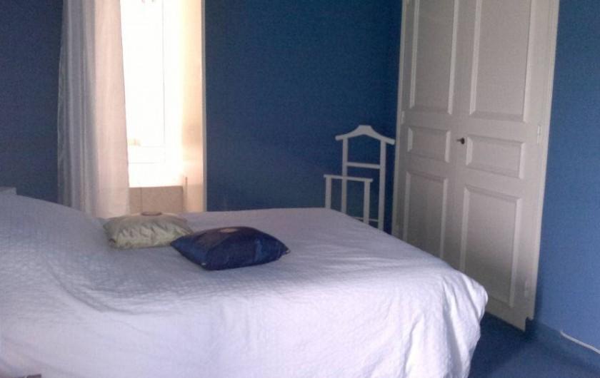 Location de vacances - Chambre d'hôtes à Hirel - chambre bleu le pecheur lit en 140