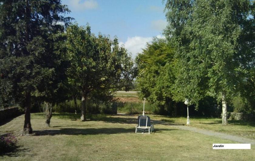 Location de vacances - Chambre d'hôtes à Hirel - jardin