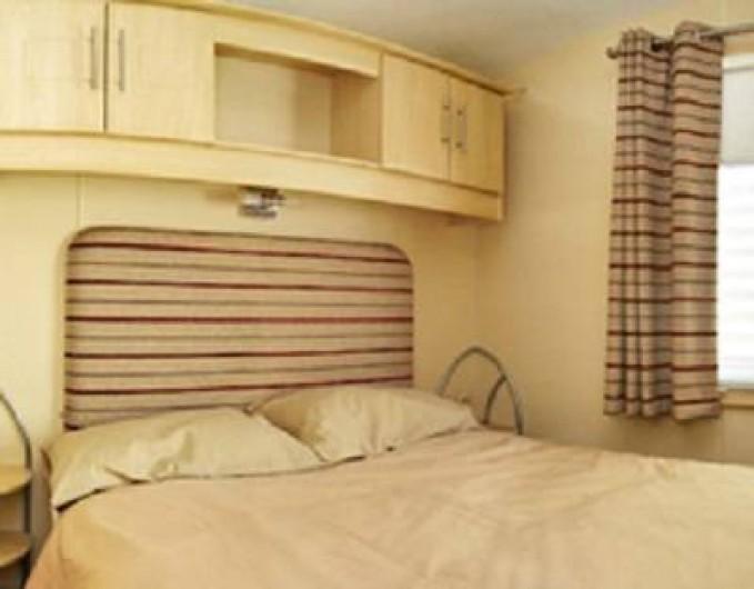Location de vacances - Bungalow - Mobilhome à Lattes - Chambre parentale avec salle de douche privative