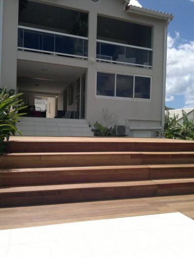 Location de vacances - Maison - Villa à Les Trois-Îlets - extérieur cote deck