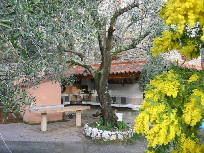 Location de vacances - Villa à Breil-sur-Roya - cuisine exterieur