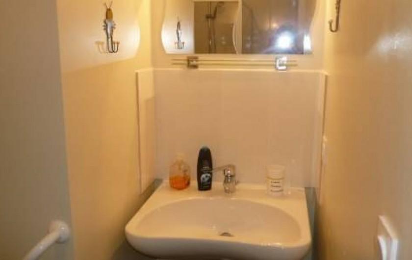 Location de vacances - Maison - Villa à Plouharnel - lavabo rdc