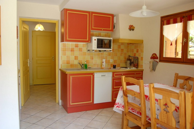 Location de vacances - Chalet à Le Grand-Bornand - le coin cuisine .