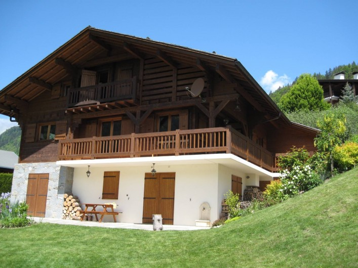 Location de vacances - Chalet à Le Grand-Bornand - le chalet l'été