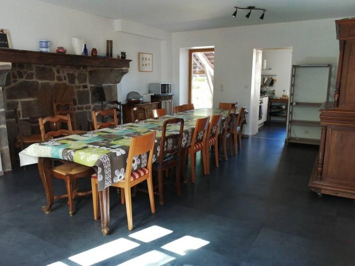 Location de vacances - Gîte à Charensat - salle à manger