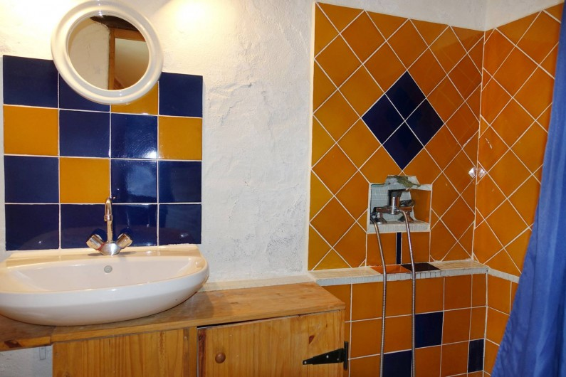 Location de vacances - Mas à Arles-sur-Tech - douche wc studio rez de chemin
