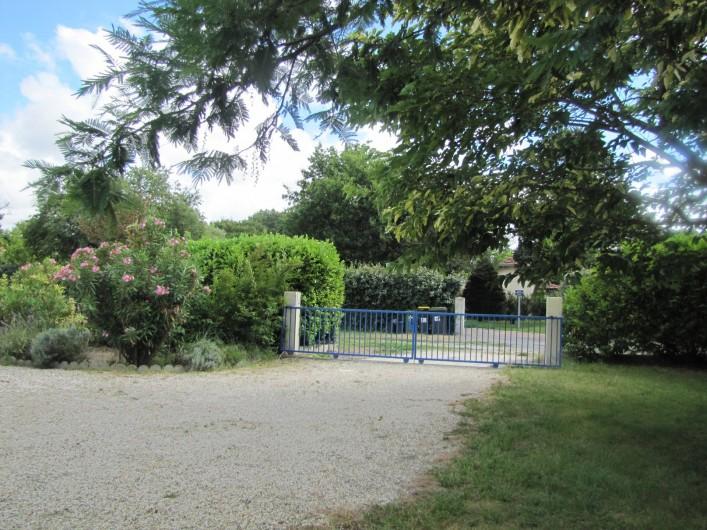 Location de vacances - Villa à Soulac-sur-Mer - Portail d'entré