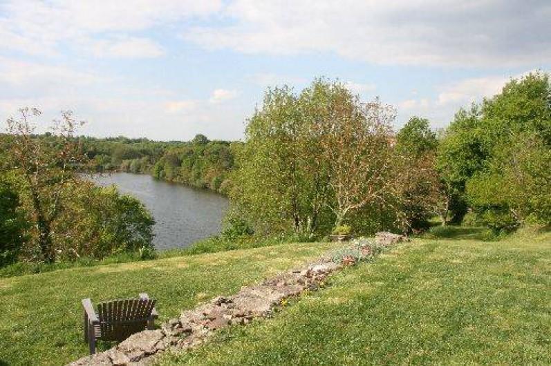 Location de vacances - Gîte à Château-Guibert - Panorama sur le lac