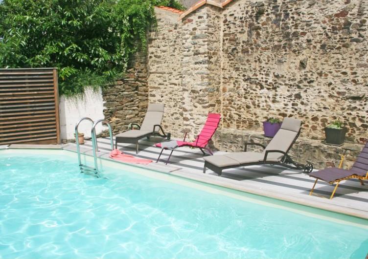 Location de vacances - Gîte à Château-Guibert - Terrasse de la piscine