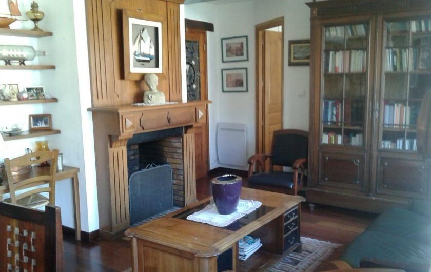 Location de vacances - Maison - Villa à Audierne - Le petit salon avec cheminée