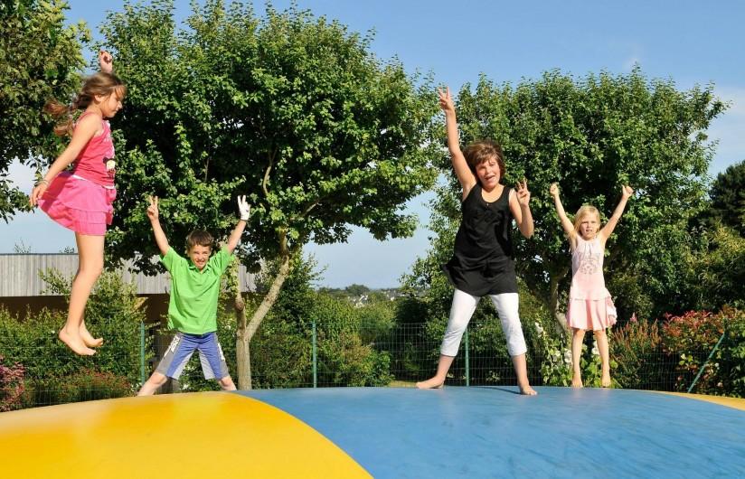 Location de vacances - Camping à Sarzeau - Aire de Jeux : Trampoline
