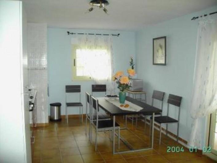Location de vacances - Appartement à Carcaixent - Salon-cuisine vue 1