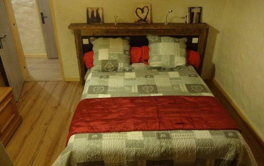 Location de vacances - Chalet à Saint-Nicolas-la-Chapelle - 2e chambre avec lit 160*200
