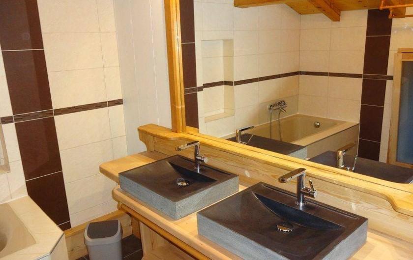 Location de vacances - Chalet à Saint-Nicolas-la-Chapelle - Salle de bain
