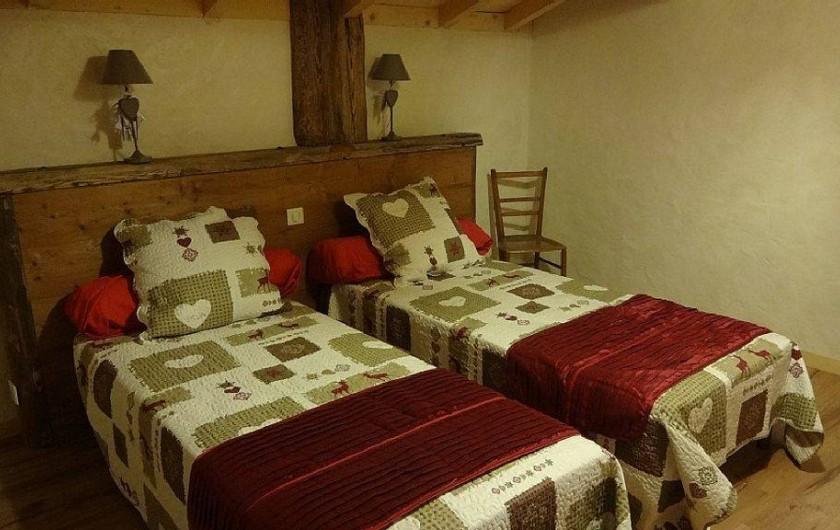 Location de vacances - Chalet à Saint-Nicolas-la-Chapelle - 1ere chambre avec lits 90*200