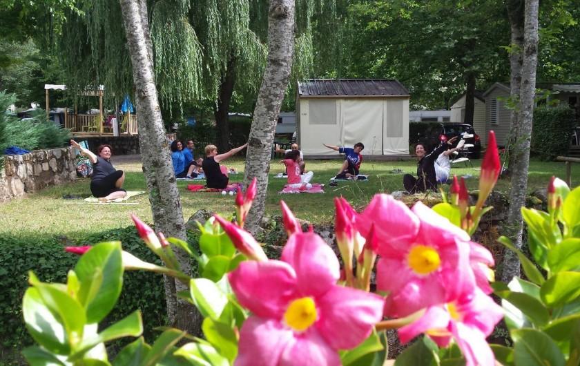 Location de vacances - Bungalow - Mobilhome à Lamastre - atelier stretching Camping de retourtour 4 etoiles riviere piscine ardeche