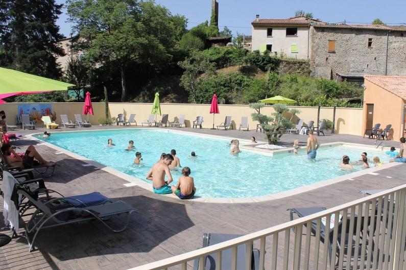 Location de vacances - Bungalow - Mobilhome à Lamastre - piscine Camping de retourtour 4 etoiles riviere piscine ardeche
