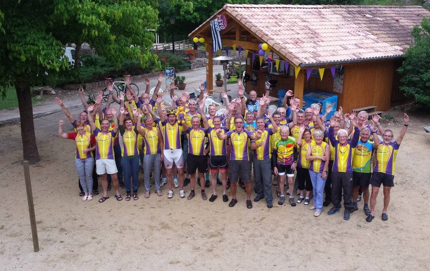 Location de vacances - Bungalow - Mobilhome à Lamastre - Coureurs de l'ardechoise Camping de retourtour 4 etoiles riviere piscine ardeche