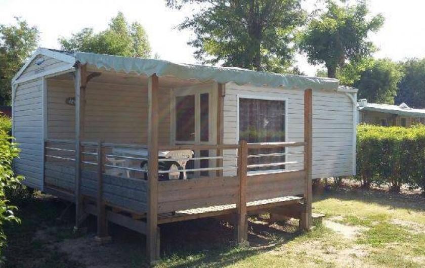 Location de vacances - Bungalow - Mobilhome à Lamastre - mobile home loggia Camping de retourtour 4 etoiles riviere piscine ardeche