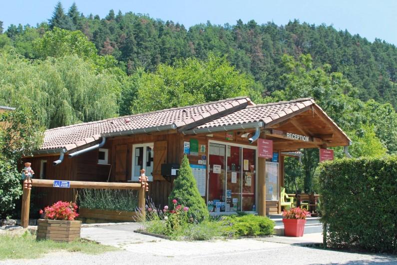 Location de vacances - Bungalow - Mobilhome à Lamastre - réception Camping de retourtour 4 etoiles riviere piscine ardeche