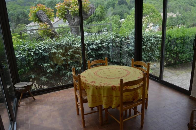 Location de vacances - Villa à Thueyts - terrasse couverte