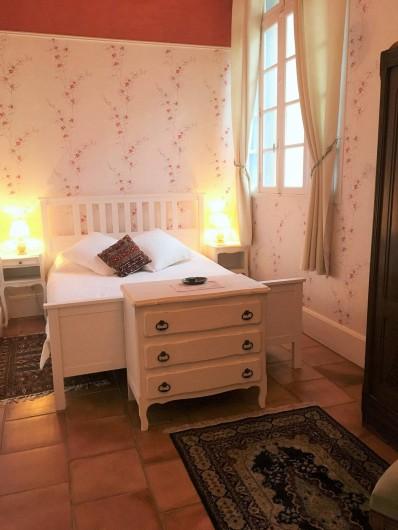 Location de vacances - Gîte à Branoux-les-Taillades - Château apartment; chambre double.  Lit 160 x 200