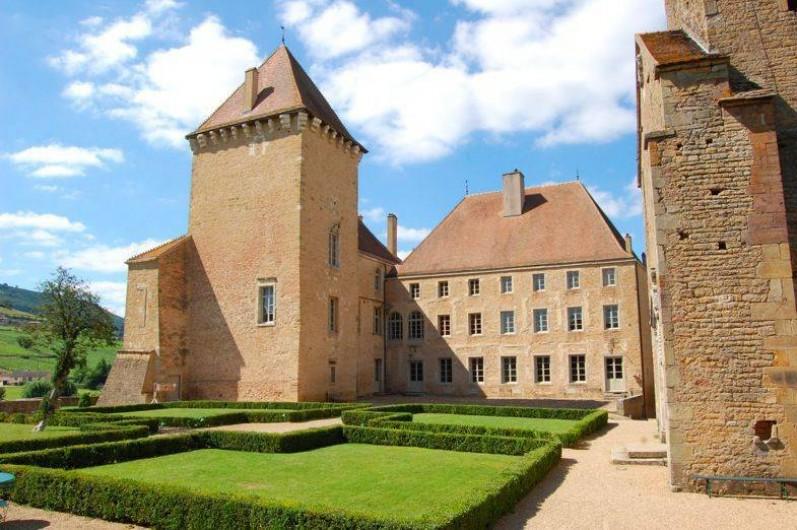 Location de vacances - Chambre d'hôtes à Pierreclos - Cour intérieur
