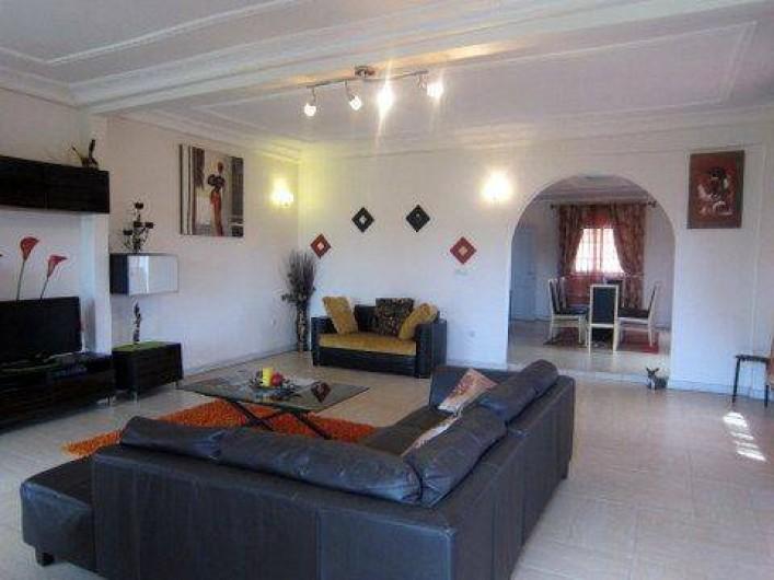 Location de vacances - Appartement à Yaoundé - Séjour Appartement Dahlia 3 chambres