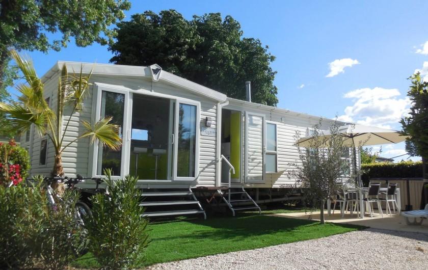 Location de vacances - Bungalow - Mobilhome à Grimaud - Mobil home Willerby Azure