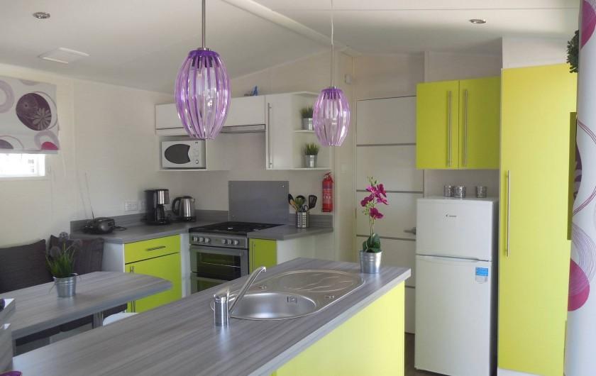 Location de vacances - Bungalow - Mobilhome à Grimaud - Ilot central cuisine