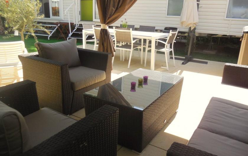 Location de vacances - Bungalow - Mobilhome à Grimaud - Canapé confortable