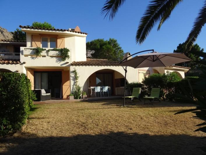 Location de vacances - Villa à Porto-Vecchio - La Villa et son Jardin privatif