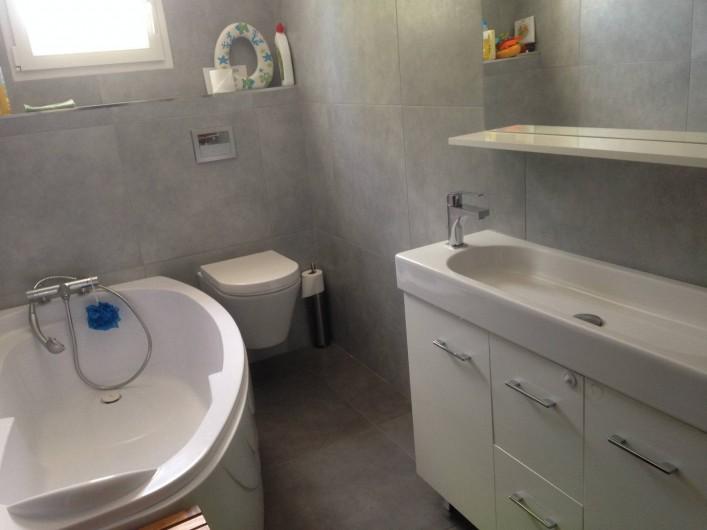 Location de vacances - Mas à Eyragues - Salle de bain