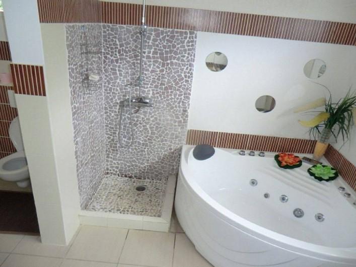 Location de vacances - Villa à Vieux Fort - salle de bain de la chambre Orchidée