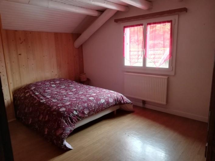 Location de vacances - Maison - Villa à Gerbépal - chambre avec 1 grande armoire